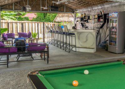 _0006_bar&pool